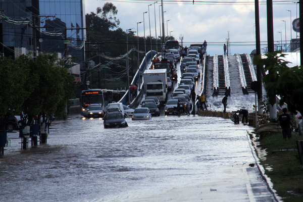 Cuiabá : Governo e Prefeitura fecham acordo para drenagem nas vias inferiores do viaduto da UFMT