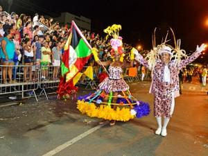 Nove blocos de carnaval devem desfilar na Orla do Porto em Cuiabá