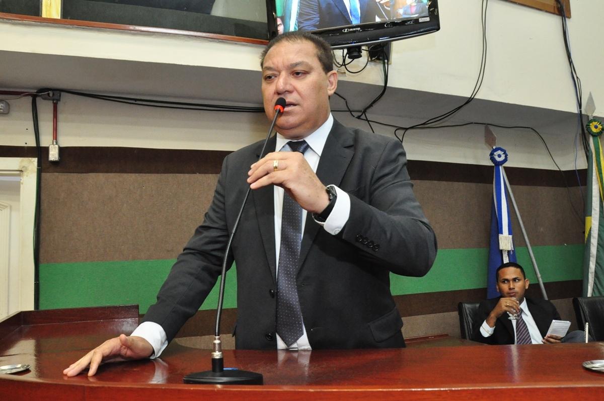 Toninho de Souza participa de inauguração de escola no bairro Planalto