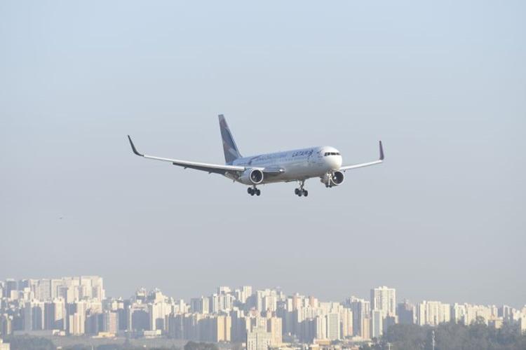 Procuradoria pede que Justiça anule cobrança de bagagens em voos