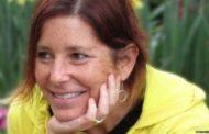 Escritora com câncer terminal faz perfil de namoro para o marido: