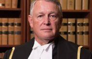 """Juiz pergunta a uma mulher em julgamento por estupro: """"Por que simplesmente não deixou as pernas fechadas?"""""""