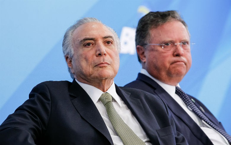 Temer discute operação Carne Fraca no Planalto com ministro Blairo Maggi