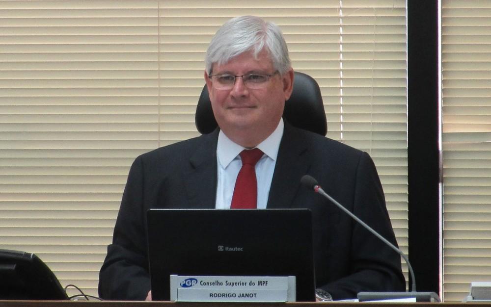 Janot pede ao STF 83 inquéritos para investigar políticos citados por delatores