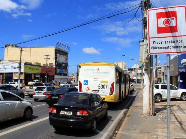 Em Cuiabá, fiscalização por câmeras de monitoramento começa nesta 2ª