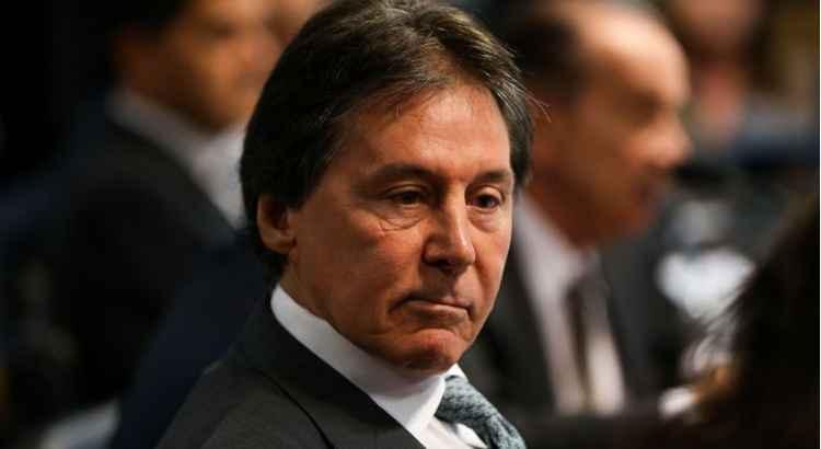 Presidente do Senado sofre isquemia e está internado em UTI
