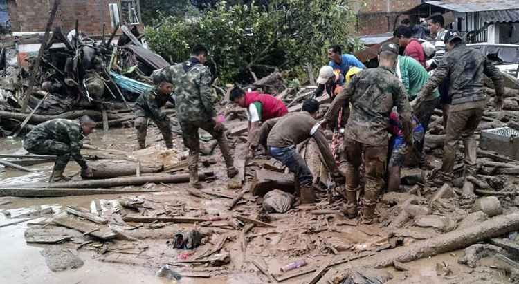 Deslizamento de terra na Colômbia deixa mais de cem pessoas mortas