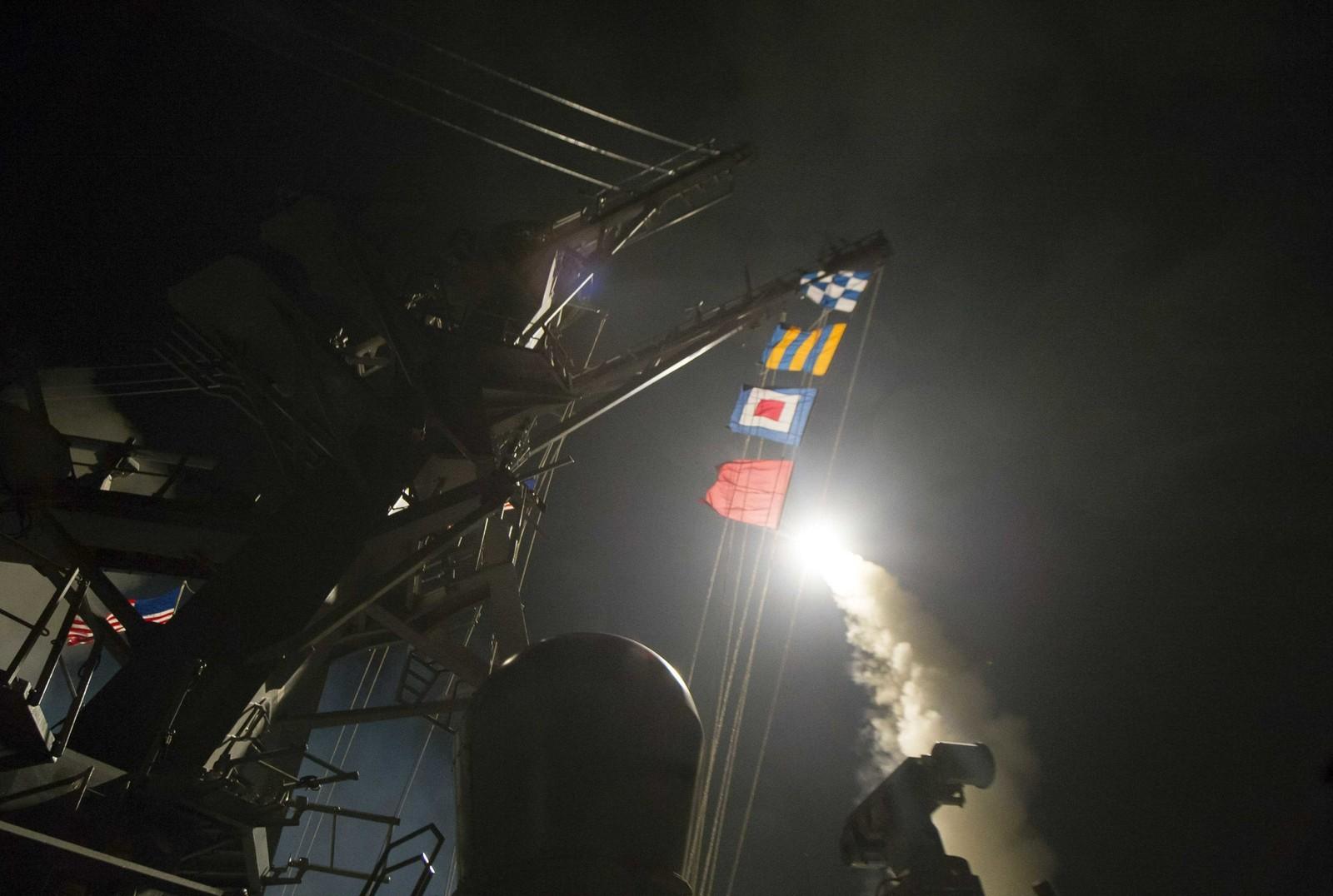 EUA lançam mísseis contra Síria; para Rússia, é 'ataque a país soberano'
