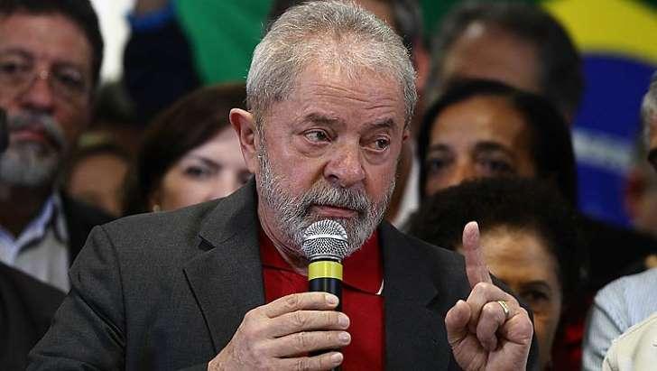Lula pede ao STF para investigação não ficar nas mãos de Moro