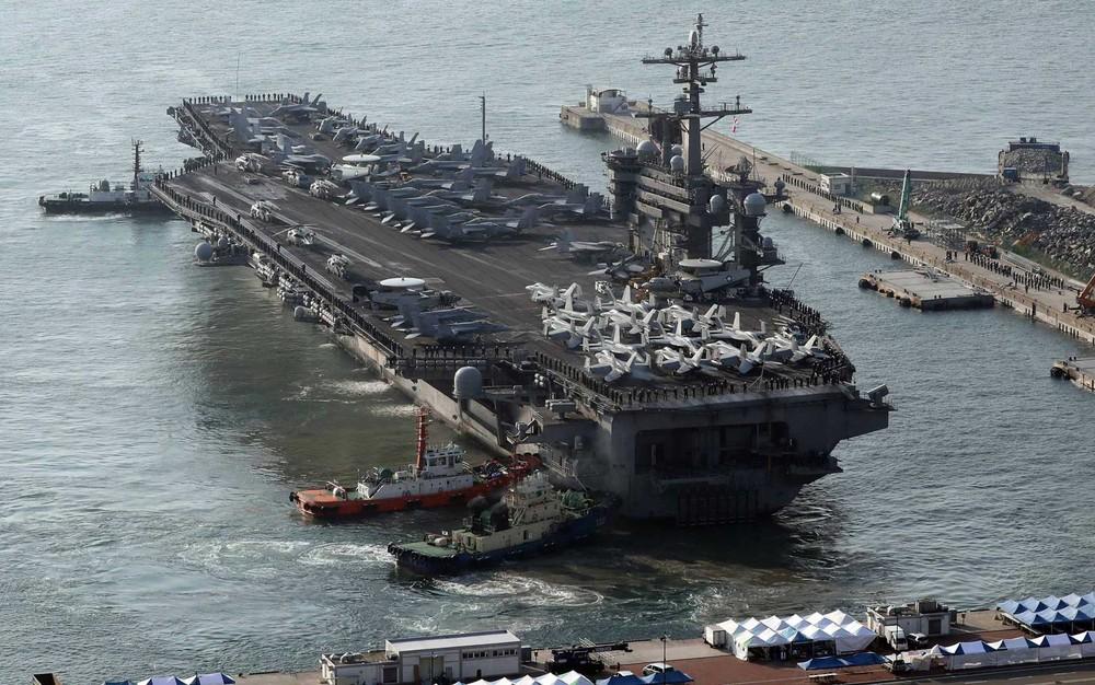 Japão e EUA iniciam manobras no Pacífico antes de se dirigir para Coreia