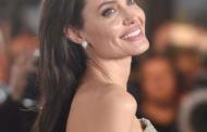 Jolie planeja casamento com britânico e surpreende Brad Pitt