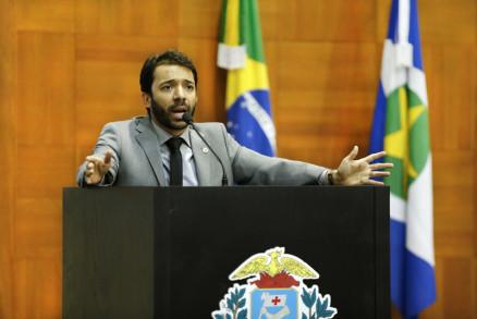 Deputado Jajah Neves rebateu as acusações de Janaina Riva e diz aciona-lá por quebra de decoro parlamentar
