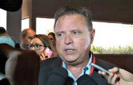 Ministro diz que manifestantes 'passaram dos limites' em ato contra Temer no DF