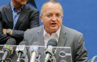 """Governador Pedro Taque diz que """"o que fizeram com o ministro Maggi é uma patifaria""""."""