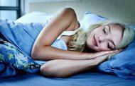 Posição em que você dorme tem relação com a sua saúde: entenda