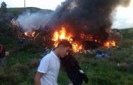 Acidente entre duas ambulâncias, ônibus e carreta deixa 15 mortos