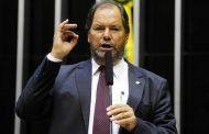 Aliados do governo ameaçam CCJ por relatoria favorável a Temer