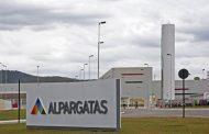 Efeito Cascata: J&F fecha venda da Alpargatas por R$ 3,5 bilhões