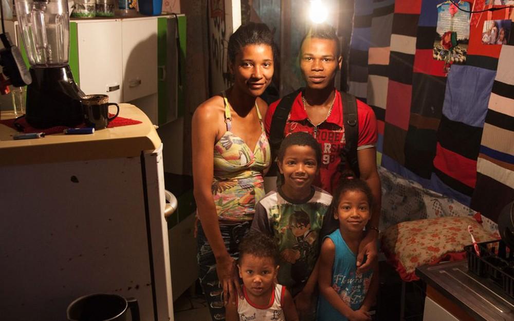 'Você compra remédio ou comida': as escolhas das famílias que vivem com um salário mínimo