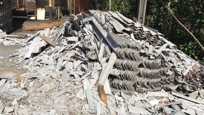'Atenção, contém amianto': STF julga futuro da polêmica fibra, comum em telhados no Brasil