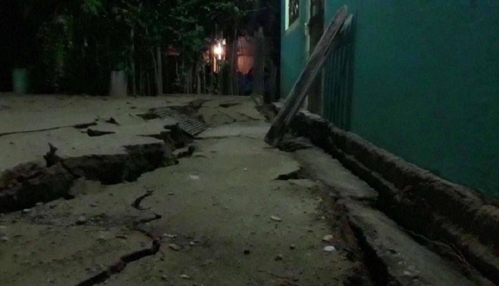 Terremoto sacode costa sul do México, deixa 32 mortos