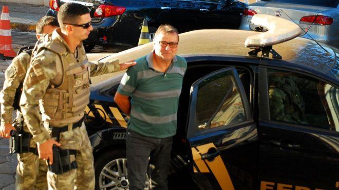 'Battisti quebrou a confiança do Brasil', diz ministro da Justiça sobre decisão de extraditar italiano