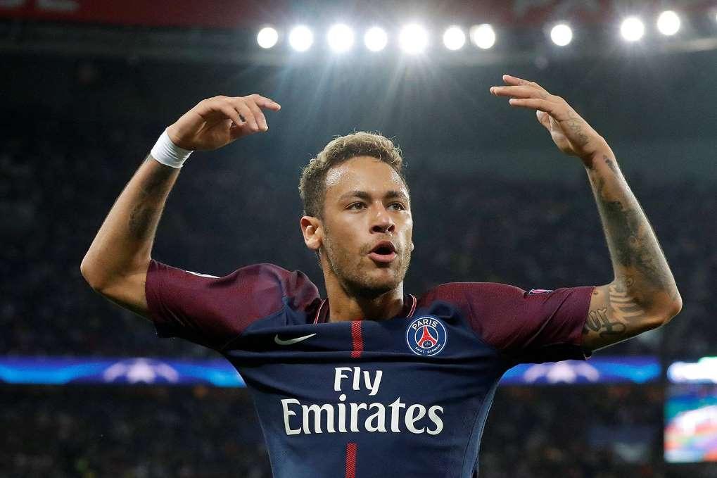 Neymar é o 1º confirmado em lista de finalistas do Bola de Ouro