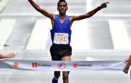 Etíope Etíope Dawitt Admasu  é bicampeão da São Silvestre