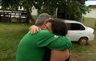 Com ajuda das redes sociais, pai reencontra filha após 36 anos: 'Maior presente que já recebi'