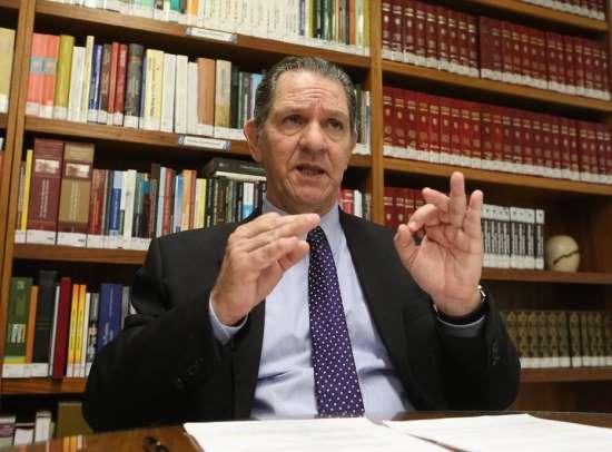 Heterossexuais 'não têm mais direito nenhum' no Brasil, diz ministro do STJ