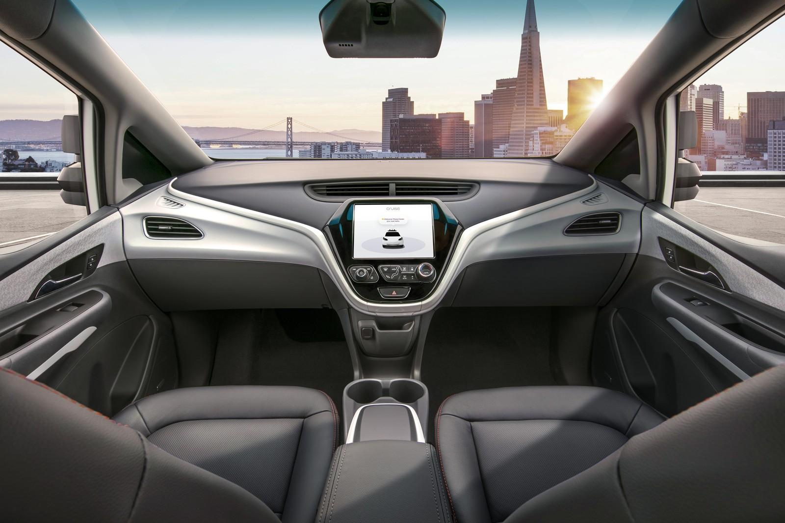 GM mostra primeiro carro de produção sem volante e pedais