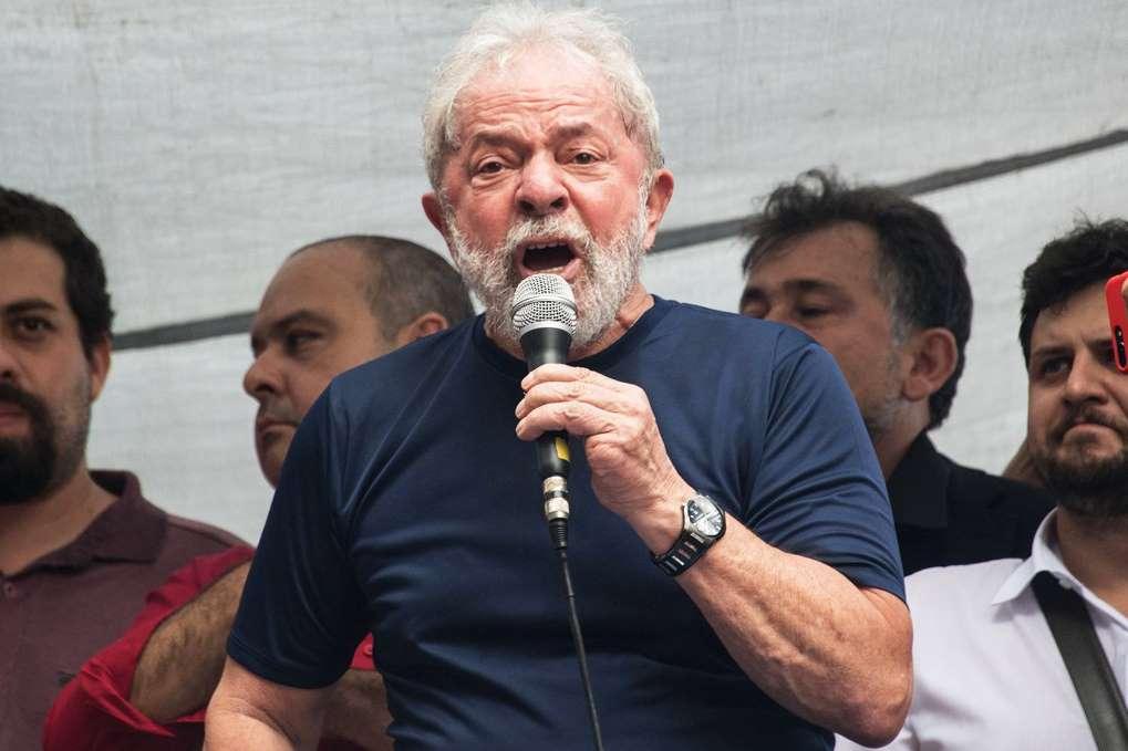 PT quer proibir pesquisa Datafolha sem Lula como candidato