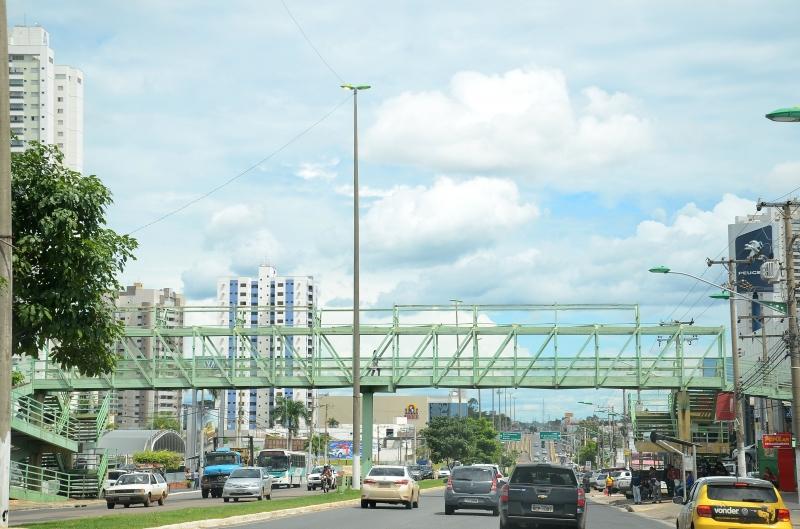 Reformada passarela da Fernando Corrêa será reaberta hoje(11/04)