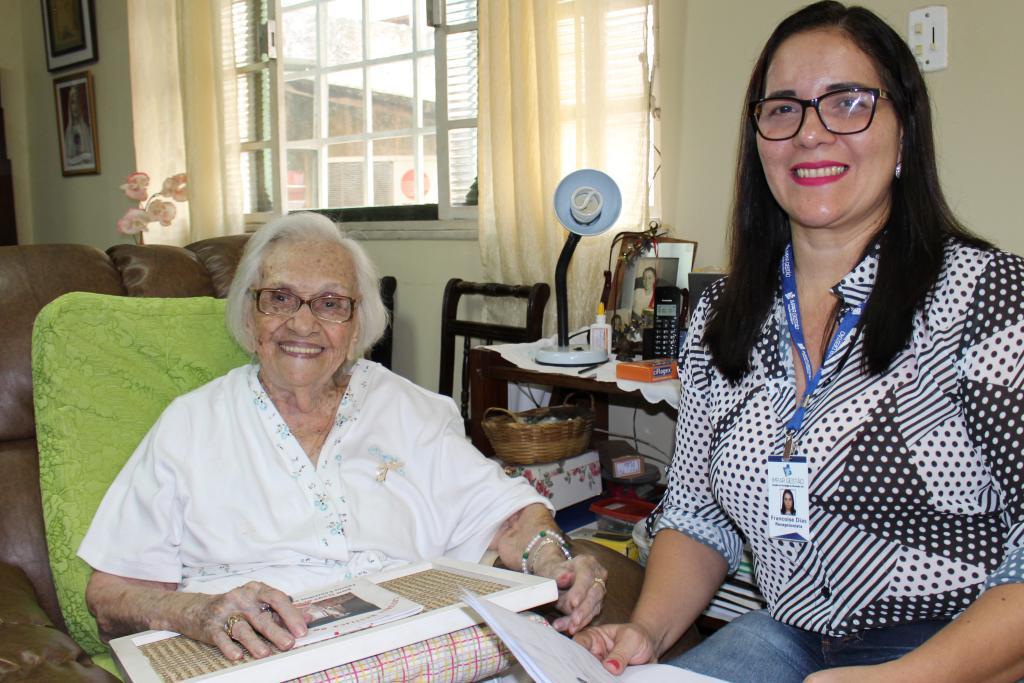 Aposentados e pensionistas com dificuldade de locomoção podem solicitar recadastramento domiciliar