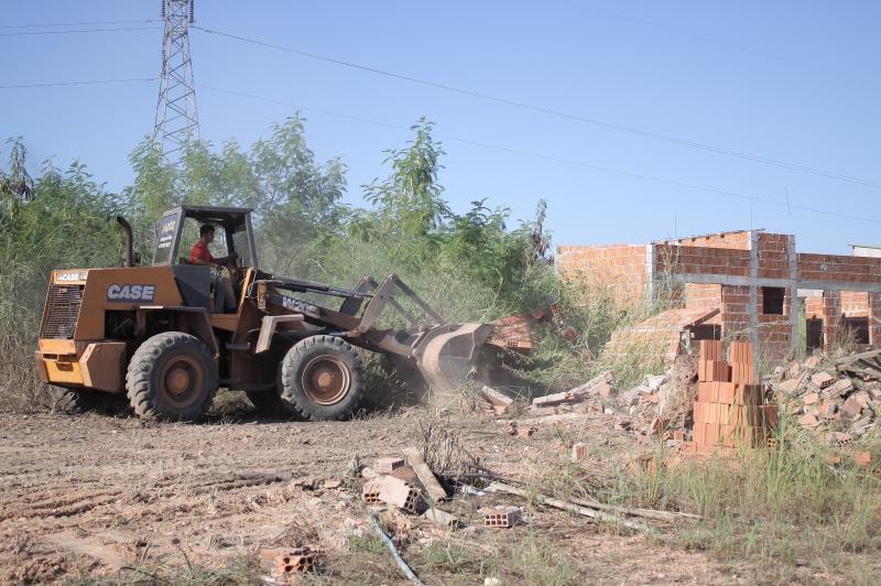 Cuiabá: Prefeitura destrói grilo em área de preservação na região do Doutor Fábio 2