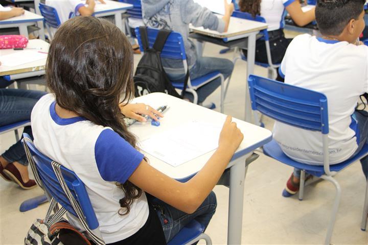 Estado investiga empresa de locação de salas de aula desmontáveis
