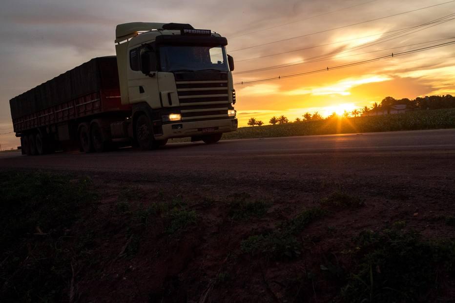 Sob pressão de produtores rurais,governo vai mudar tabela de fretes