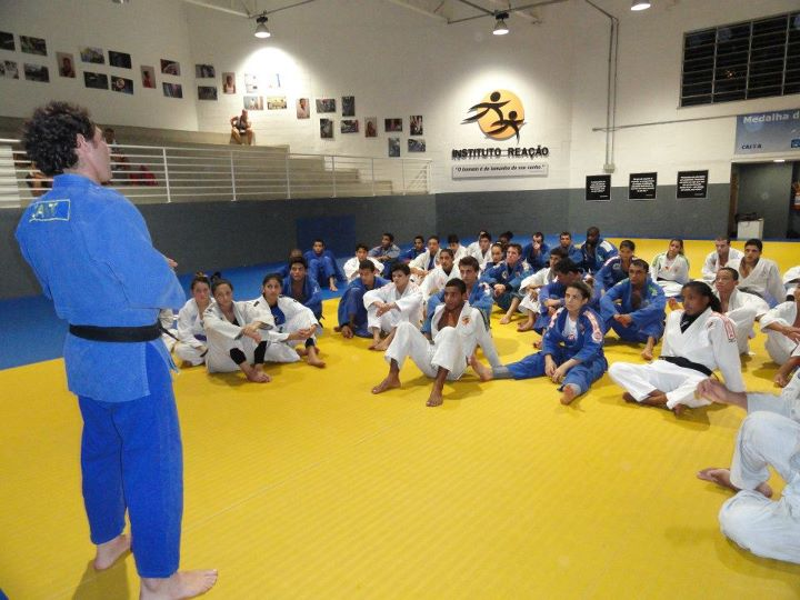 Instituto do medalhista olímpico Flávio Canto chega a Cuiabá
