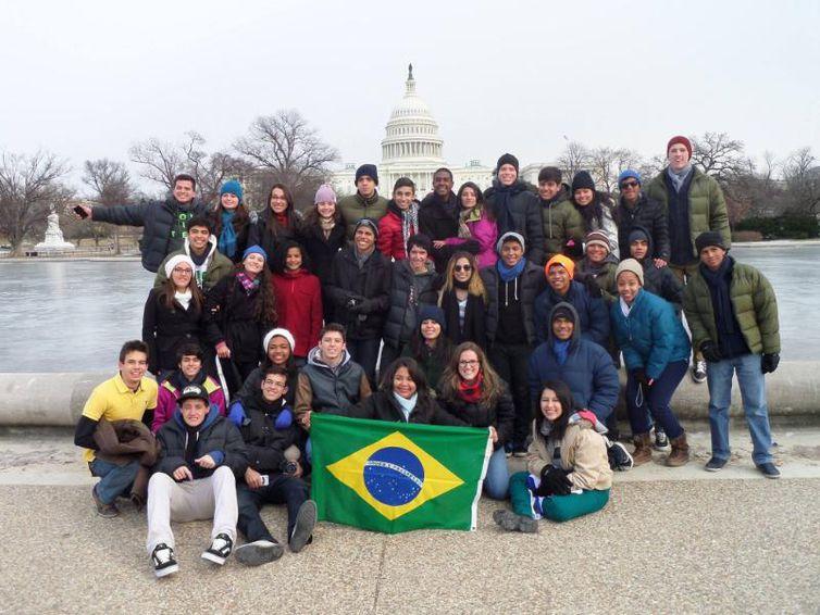 Embaixada levará 50 estudantes brasileiros para intercâmbio nos EUA