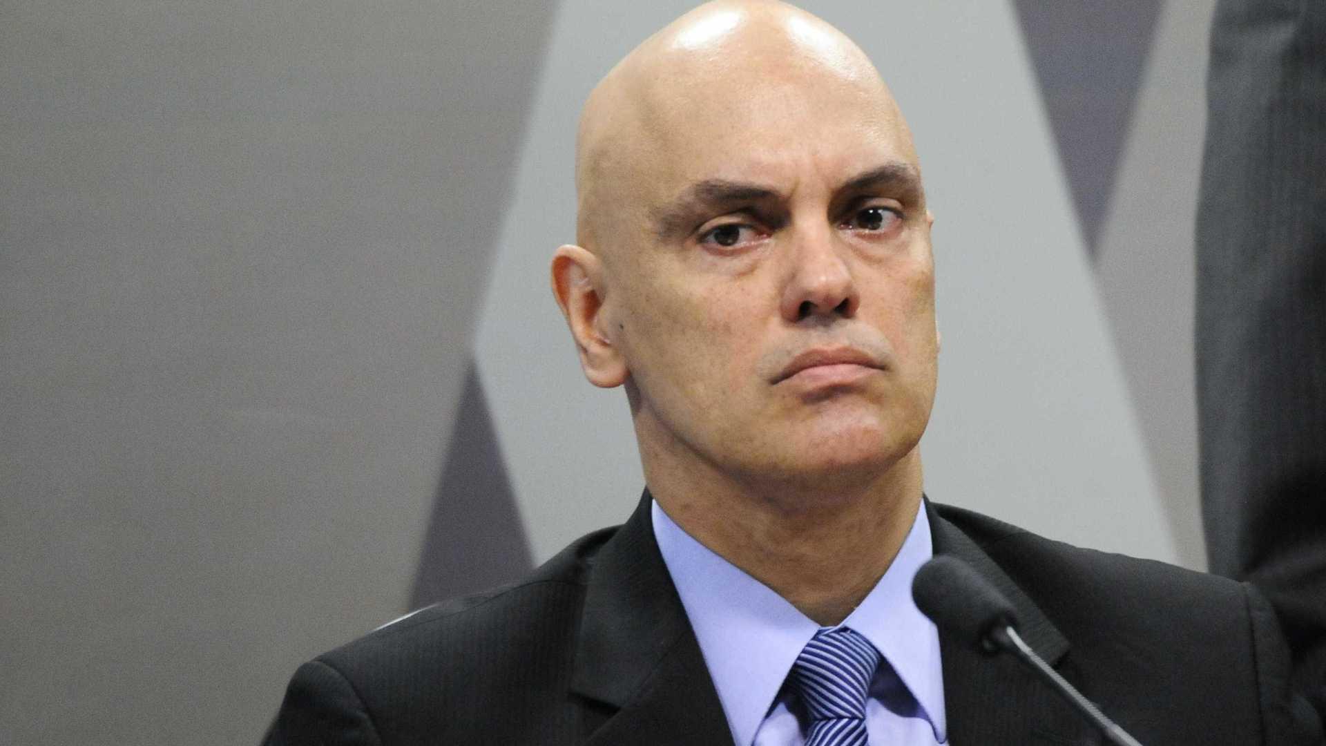 Ministro libera porte de arma para guardas municipais de todo o país
