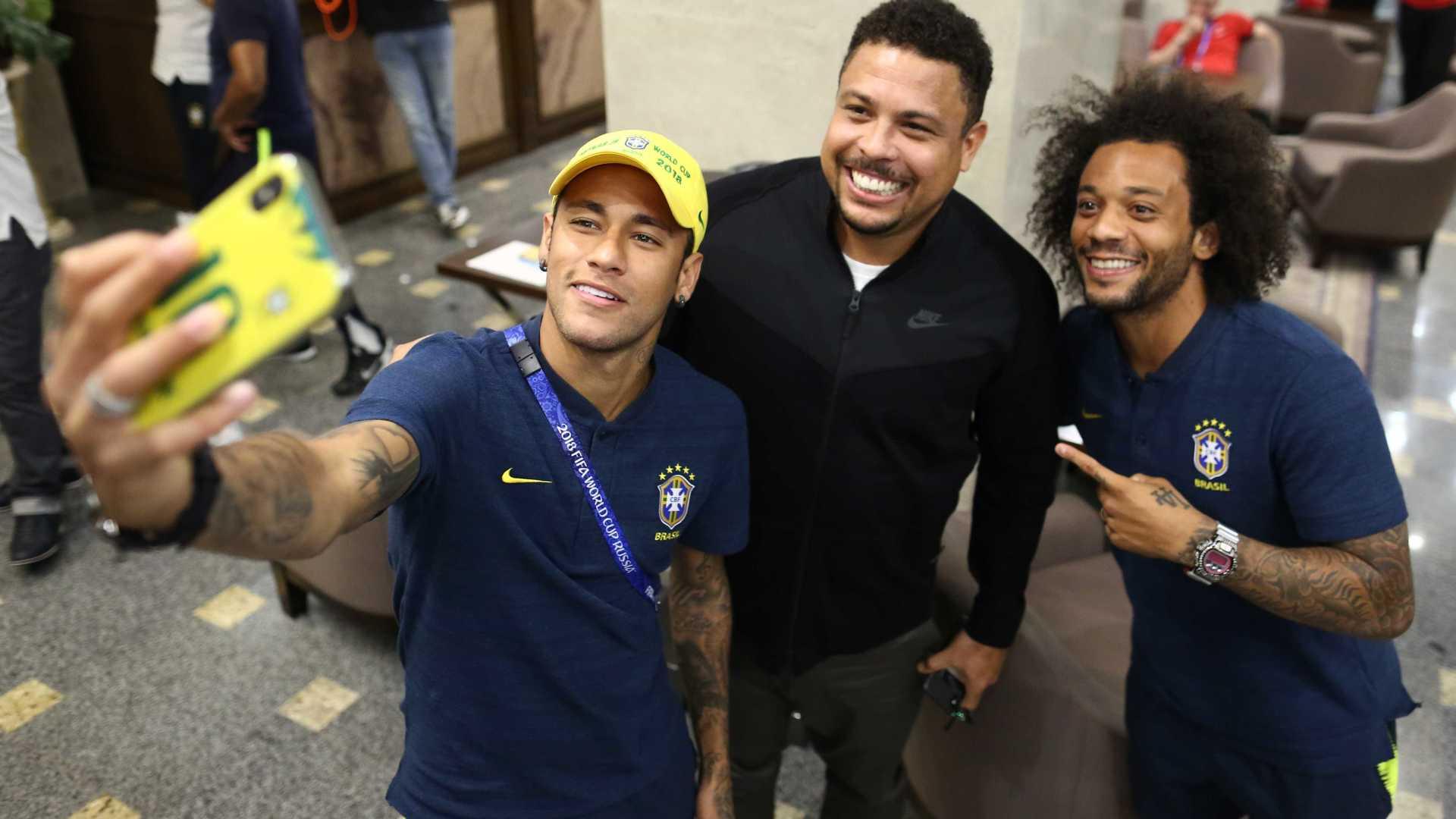 'Não tenho medo nenhum de sonhar grande', diz Neymar antes de estreia