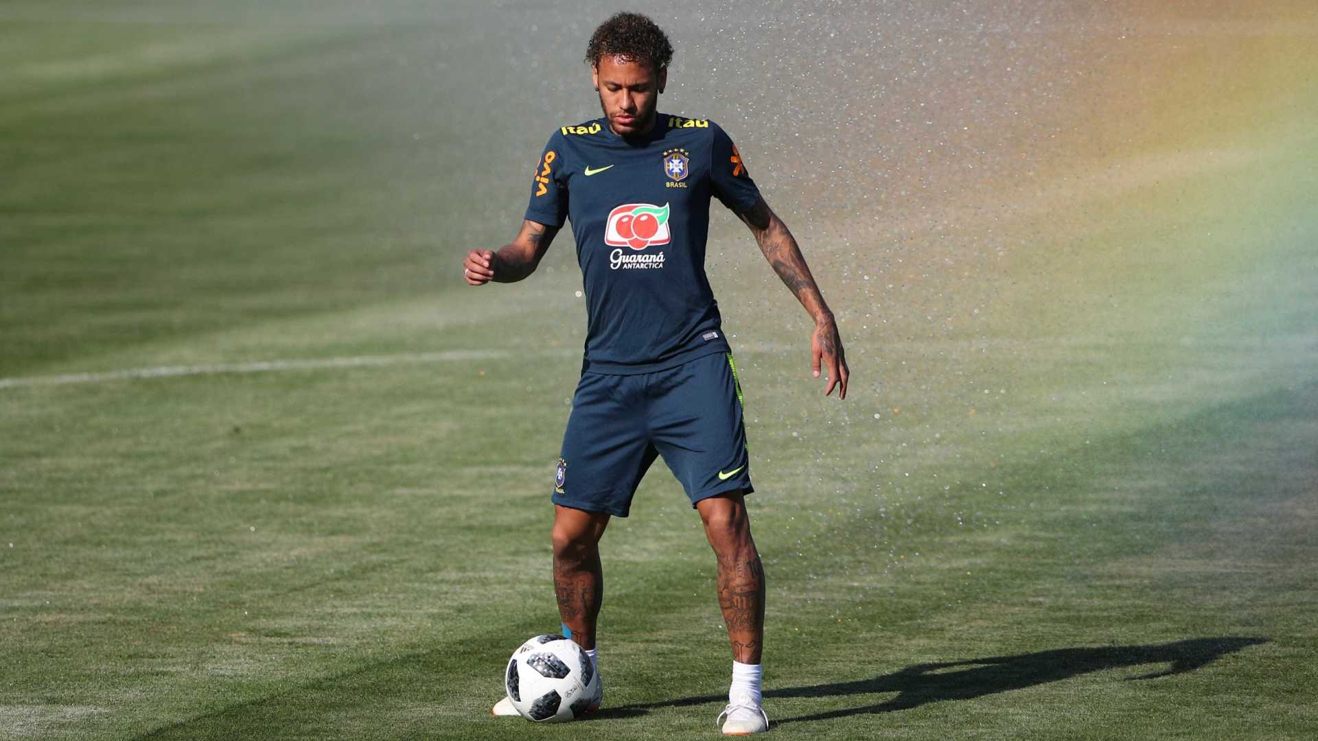 Neymar diz que não pretende revidar quando sofrer faltas