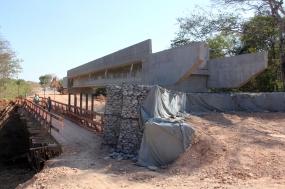 Ponte de concreto na comunidade do Monjolo entra na fase final de execução