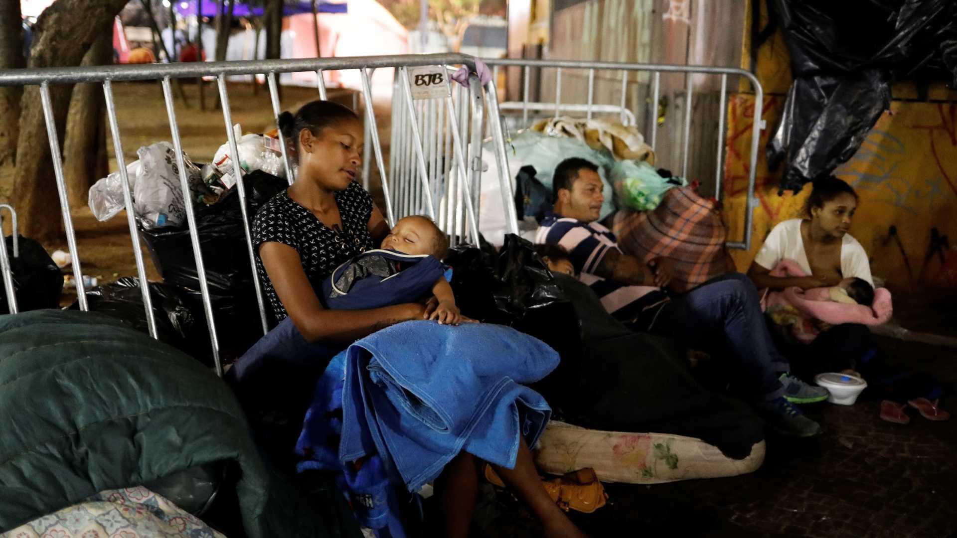Dois meses após incêndio em SP, vítimas seguem sem auxílio-moradia