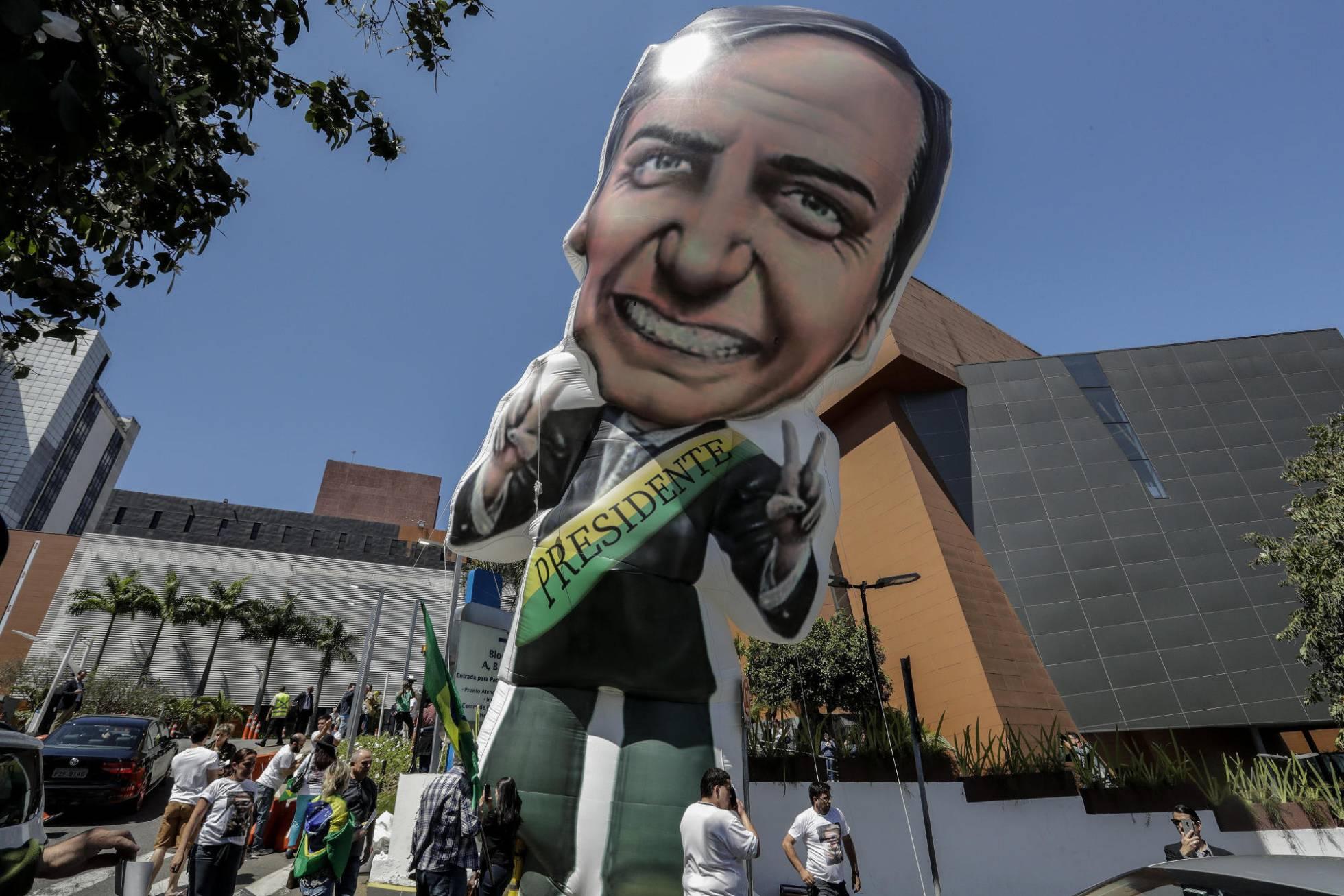 Com Bolsonaro ainda mais limitado, bate-cabeça se aprofunda em sua campanha