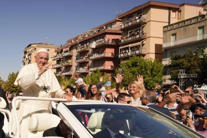 Na Sicília, papa Francisco diz que 'mafiosos não vivem como cristãos'