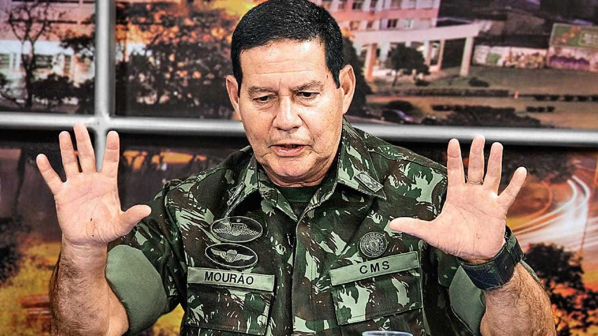 Ataque a Bolsonaro ajudou a conquistar eleitores indecisos, diz Mourão