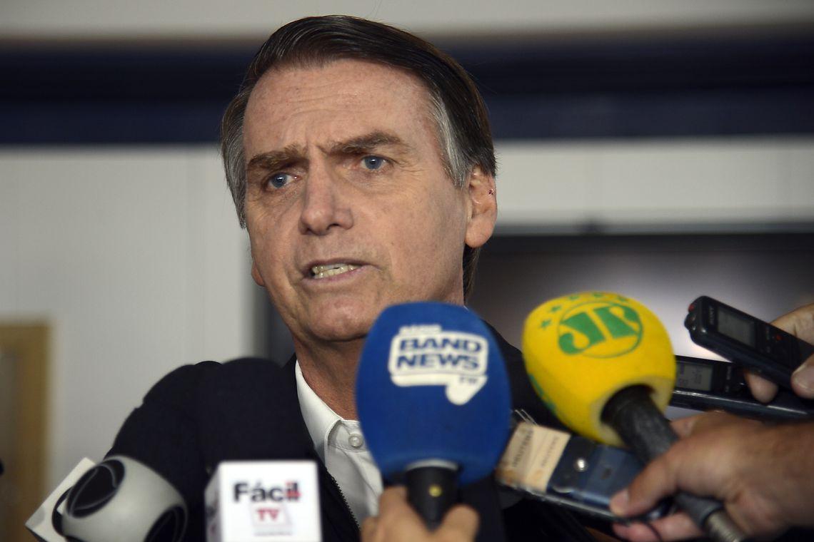 Bolsonaro diz que combate ao marxismo vai melhorar desempenho na educação