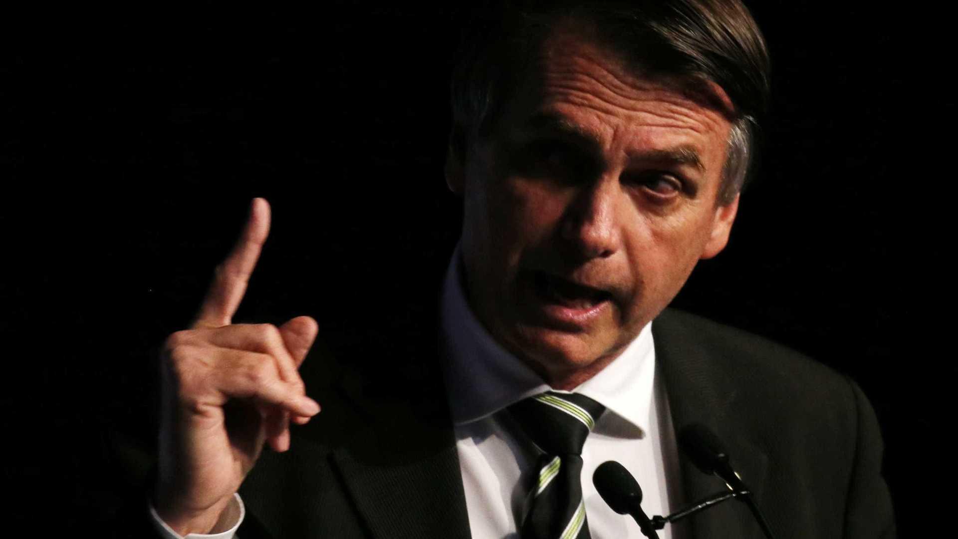 Em entrevista, Bolsonaro critica PT e chama Haddad de 'fantoche'