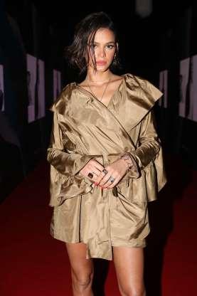 Bruna Marquezine anuncia término de namoro com Neymar: 'Decisão dele'